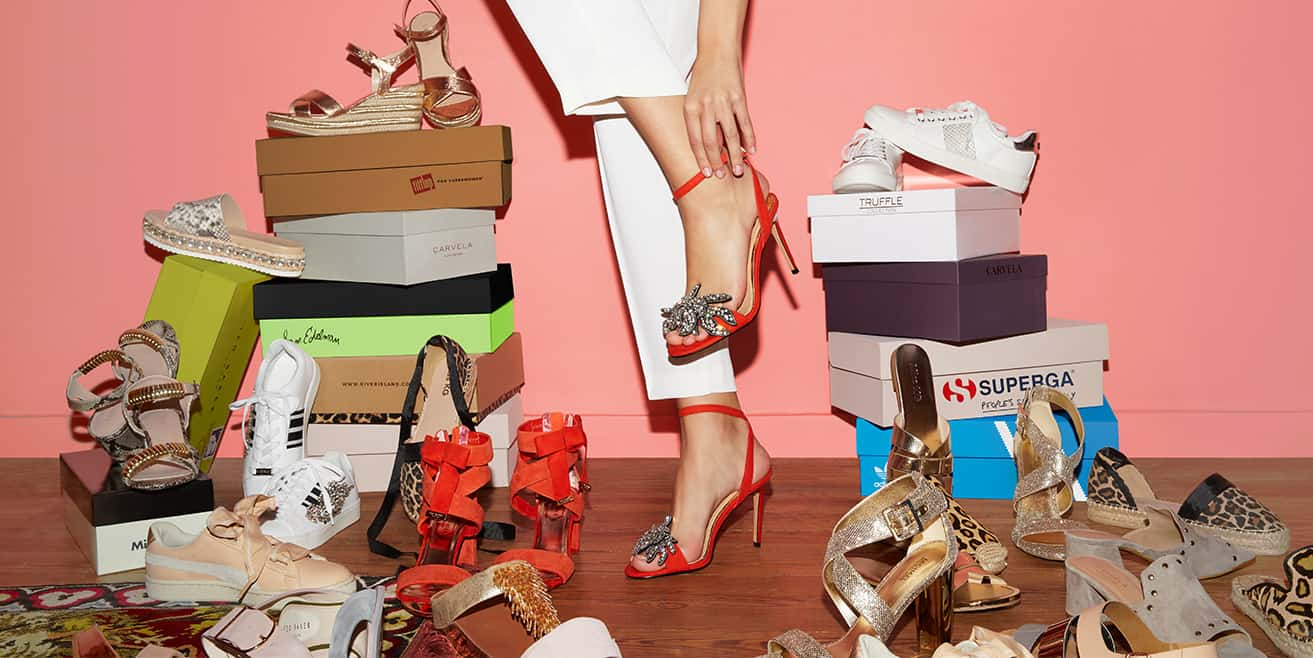 SHOEAHOLICS: Shop discount designer shoes, boots, bags & accessories for women & men  – choose over 3000 styles from 1000+ designer brands.