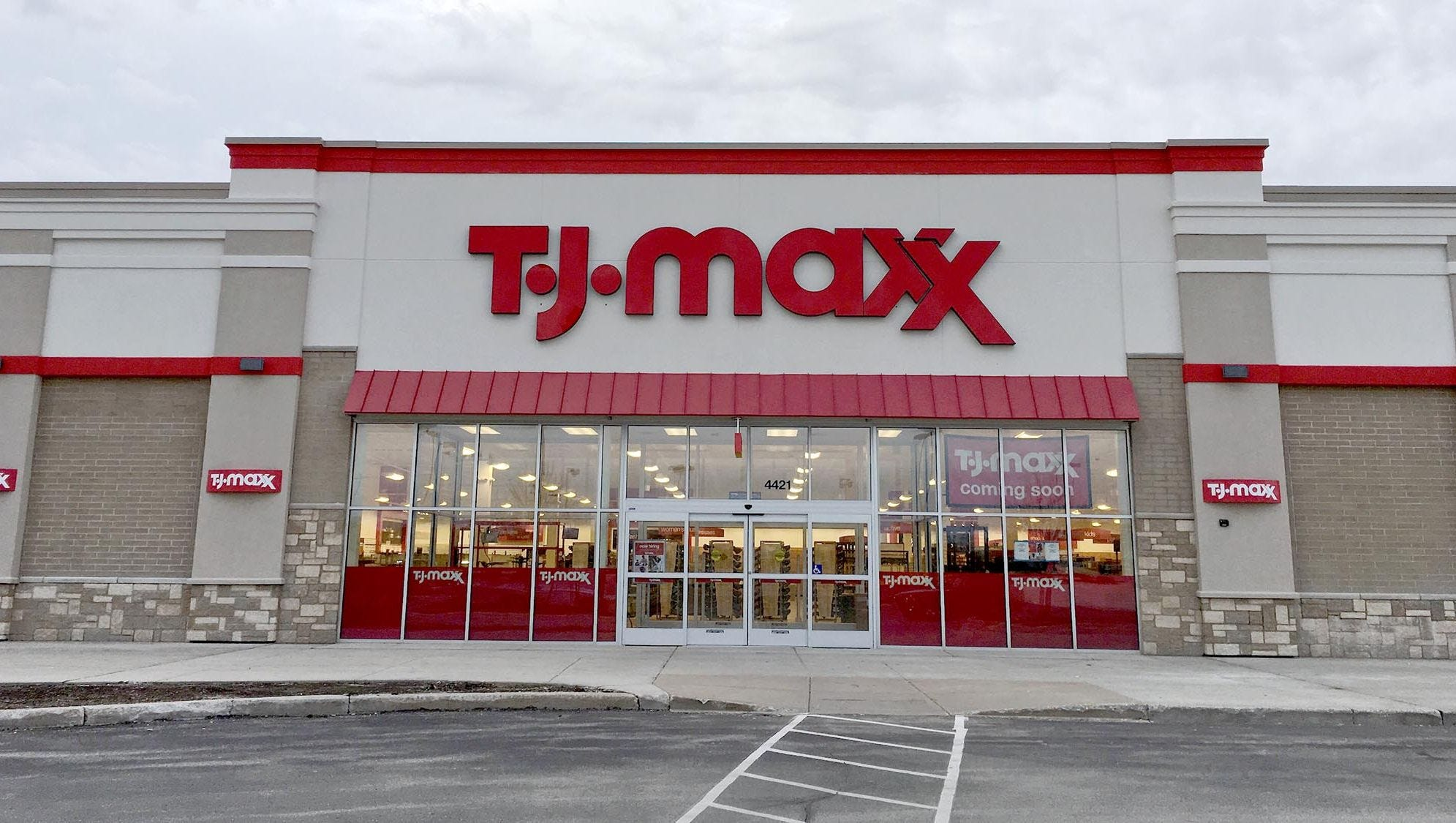 TJ MAXX: Free Shipping on $89+ orders. Amazing savings on brand-name clothing, shoes, home decor, handbags & more that fit your style