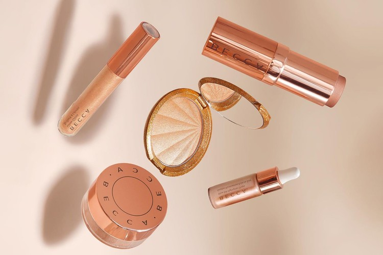BECCA COSMETICS: Explore BECCA Cosmetics and discover your perfect shade of BECCA highlighter, our 24-hour wear foundation and best selling makeup primers.