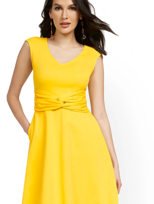 NEW YORK & COMPANY : TWIST-FRONT FLARE DRESS – CITY KNITS $10.00